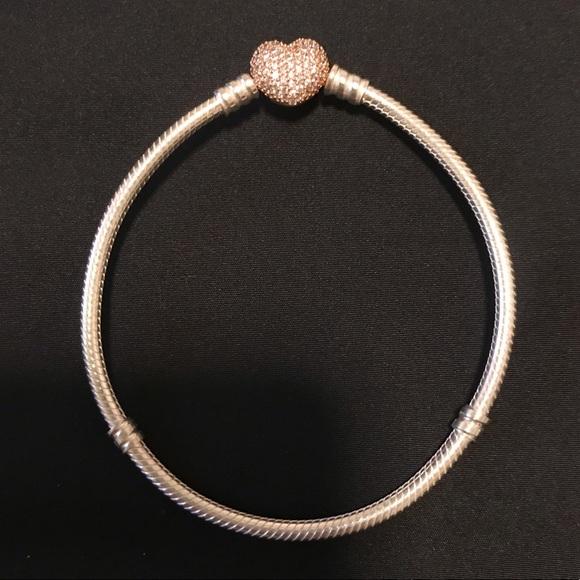 7914394c0dd61 Authentic Pandora Rose Pave Heart Clasp Bracelet